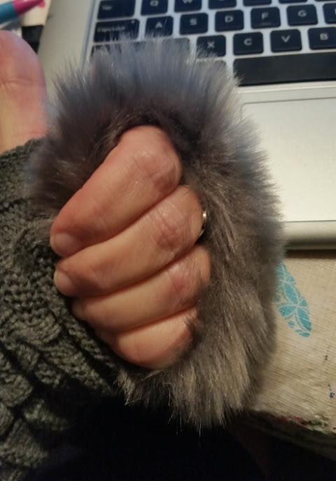 fuzzy green Finglerless mittens 1