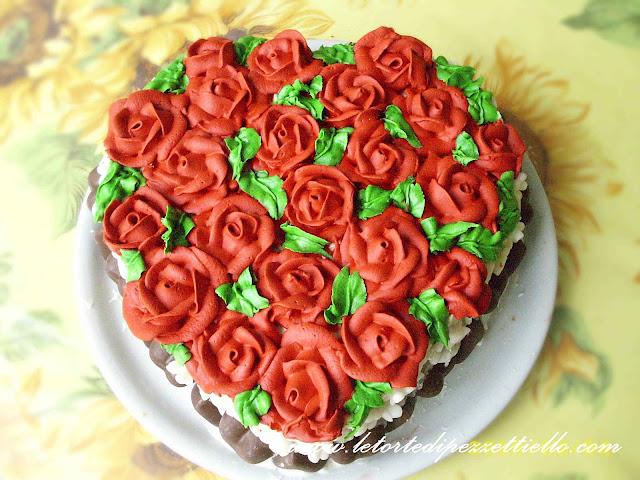 [SAP] -Torta a cuore con rose rosse di glassa