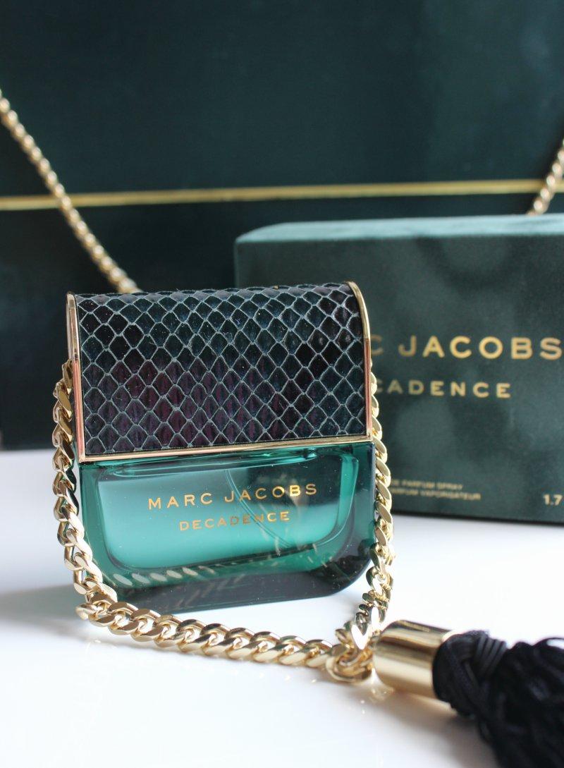 marc jacobs decadence eau de parfum the sunday girl. Black Bedroom Furniture Sets. Home Design Ideas