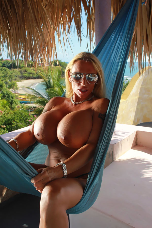 Deauxma and maxi mounds
