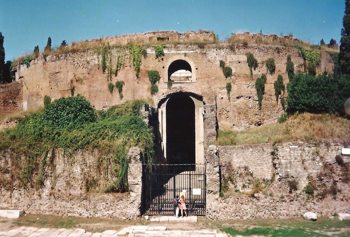 Augusto el mausoleo de augusto for Augusto roma