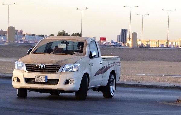 The Car News Blog 2014: Iraq 2012: Toyota Hilux and Kia Cerato