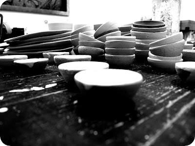 glazed stoneware mini dishes - black white picture.