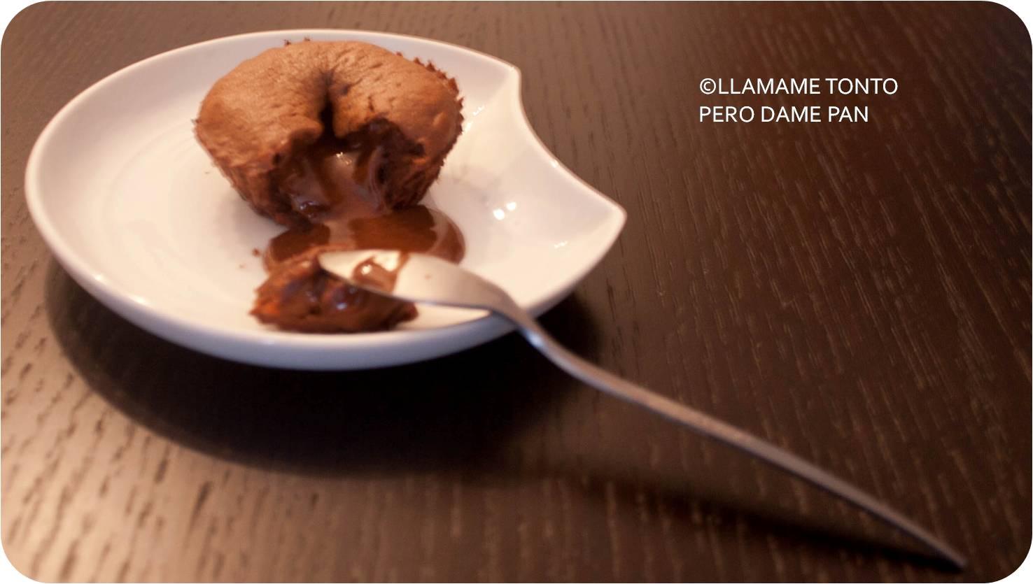 http://llamametontoperodamepan.blogspot.com.es/2013/10/coulant-o-volcan-de-chocolate.html