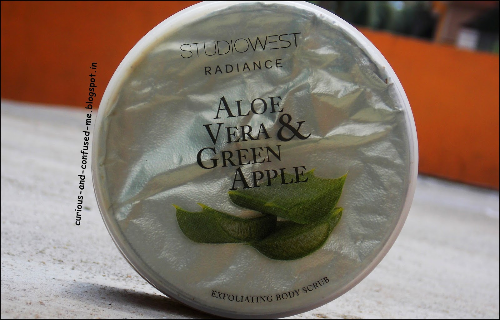 RADIANCE by StudioWest Aloe Vera & Green Apple Body scrub review, StudioWest Aloe Vera & Green Apple Body scrub review, Westside products review, StudioWest Aloe Vera and Green Apple, Radiance body scrub review, Affordable body scrub India review, Indian beauty blog, Westside product review.
