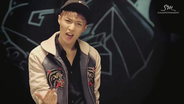 EXO Lay Growl