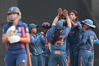 Jhulan-Goswami-celebrates-with-her-teammates-after-dismissing-Danielle-Wyatt.
