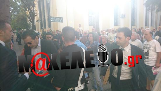 Xτύπησαν τον Δημοσιογράφο Στέφανο Χίο στα δικαστήρια της πρώην σχολής Ευελπιδων!