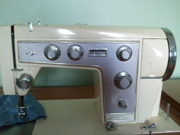 Crazy Old Hippie Chick Kenmore Model 4040 Fascinating Kenmore 28 Sewing Machine