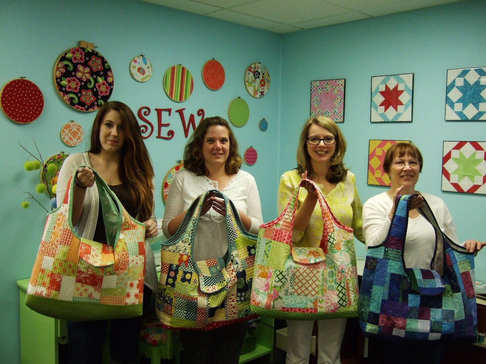 Arrow Sewing Cabinets: Arrow Show N' Tell - Quilted Beach Bag