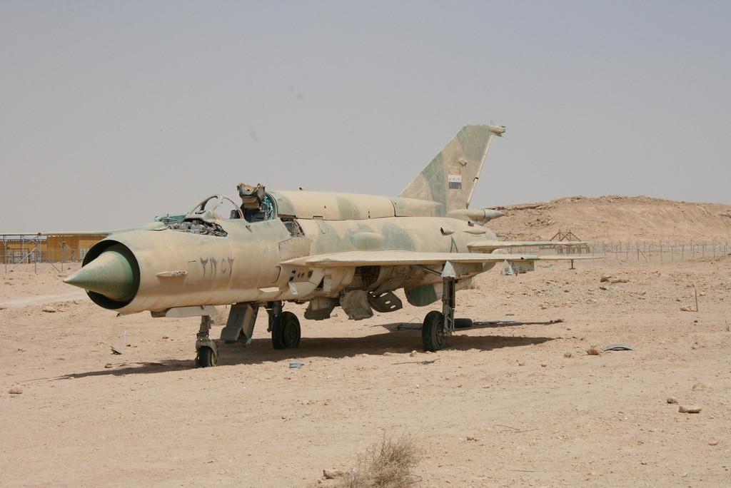 Irak - Página 2 IRAK+MIG-21BIS+21252+2