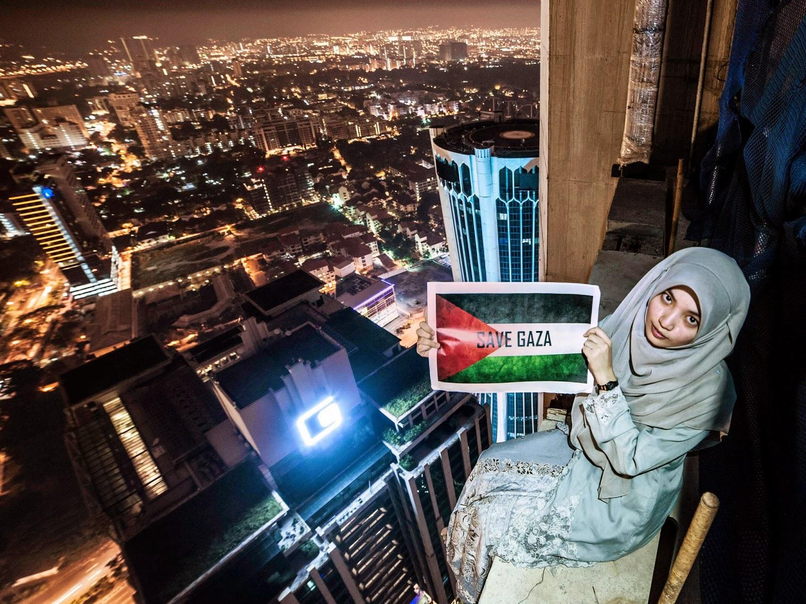 Kisah Di Sebalik Gadis Kebaya Di Pencakar Langit Dengan Mesej Gaza.
