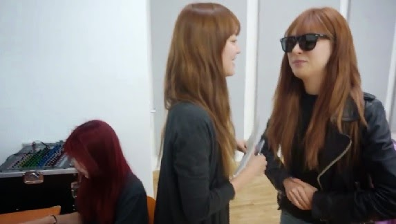 Hello Venus' Alice and Lime have a funny English conversation