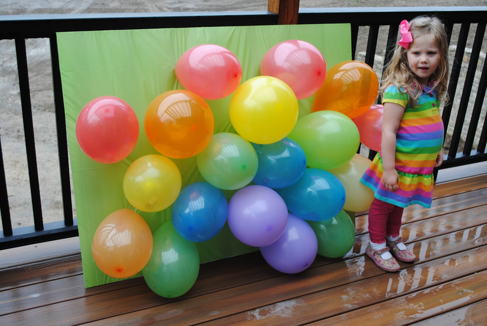 Three scoops of love pop the balloon game for Balloon party games