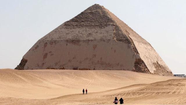 Βρέθηκε τεχνολογικός εξοπλισμός στις πυραμίδες;