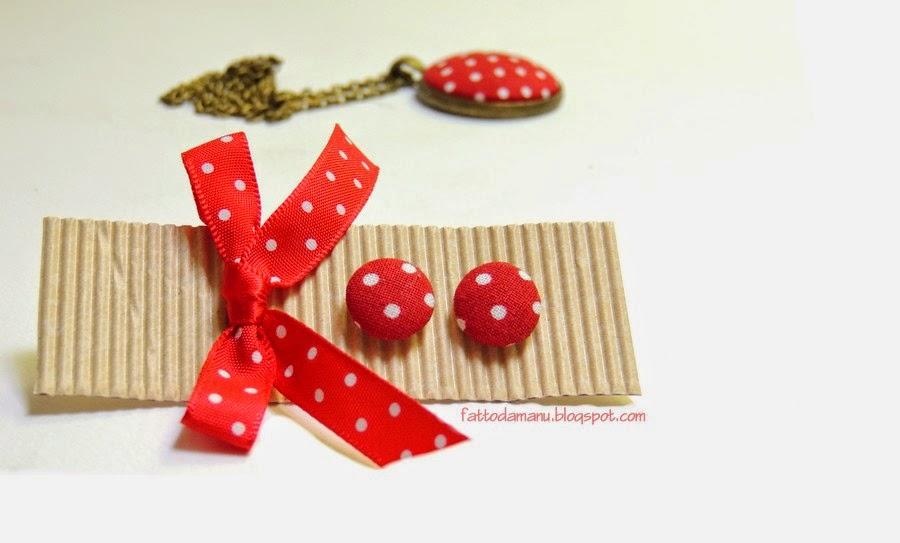 Orecchini Bottoncini - bottoni - rossi a pois bianchi e collana con ciondolo