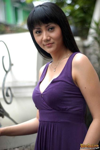 Foto Hot Dan Sexy Aida Saskia - Ada Yang Asik