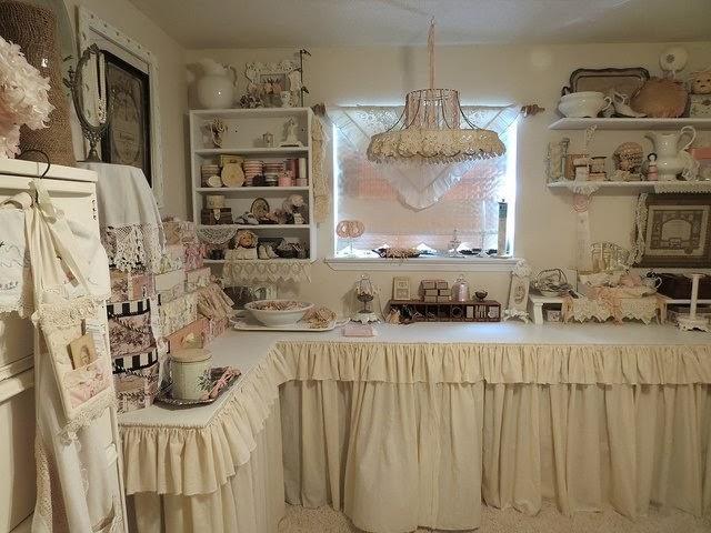 shabby in love romantic shabby kitchen. Black Bedroom Furniture Sets. Home Design Ideas