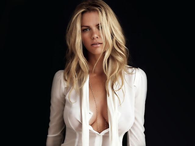 brooklyn decker Hot,Images,photoes,Stills,Wallpapers,Pictures,
