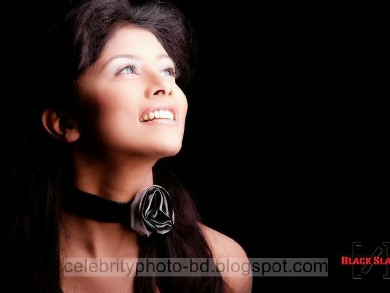 Ramp+Model+Mumtaheena+Toya+Studio+Black+Slash+PhotoShoot+And+Hot+Pose003
