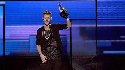 Pemenang Amerika Musik Awards 2012