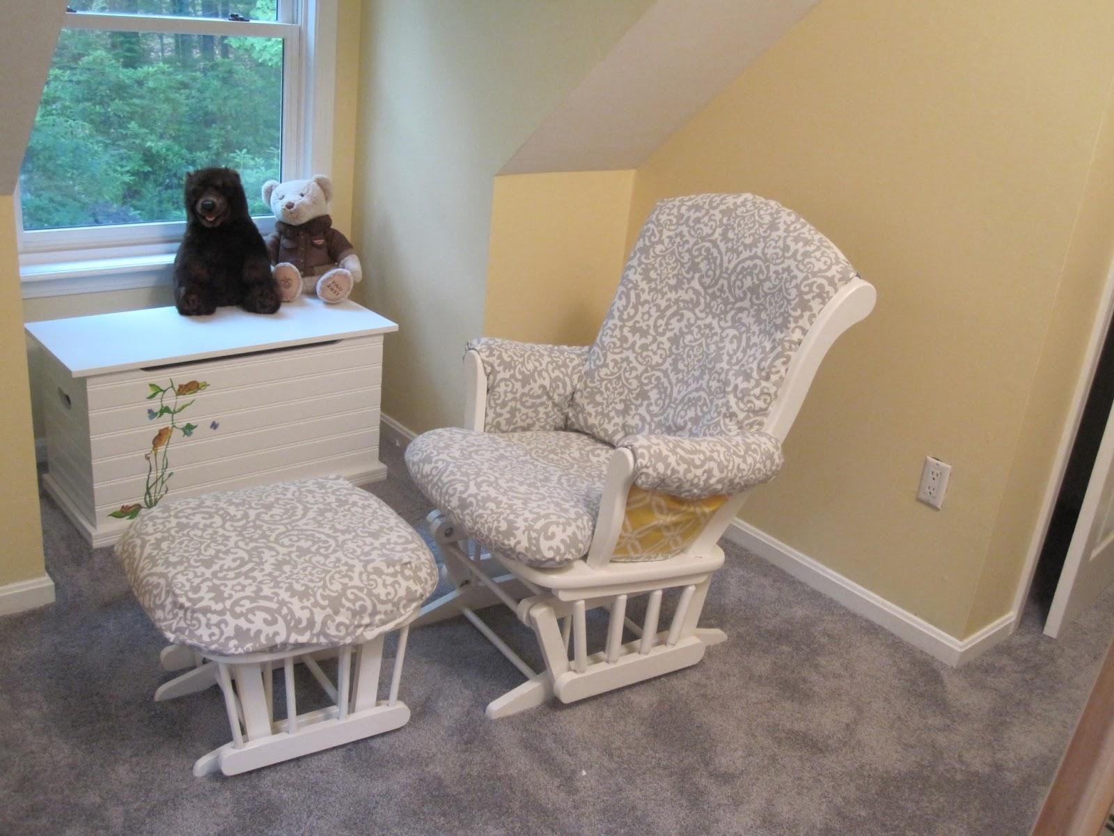 thethreadedchickadee Nursery progression Recovering a glider chair