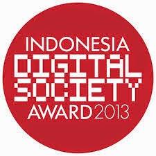 Kabupaten Banyuwangi raih penghargaan Indonesia Digital Society Award 2013.