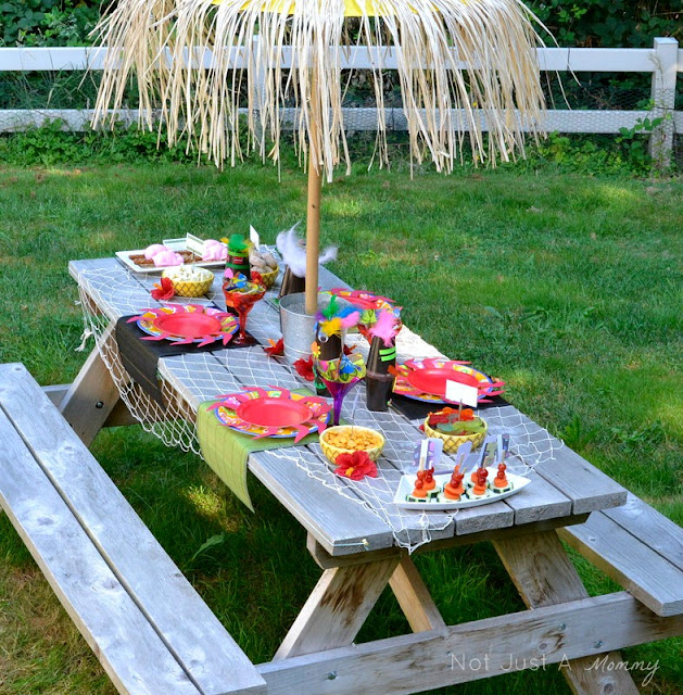 Aloha To Summer Party kids table