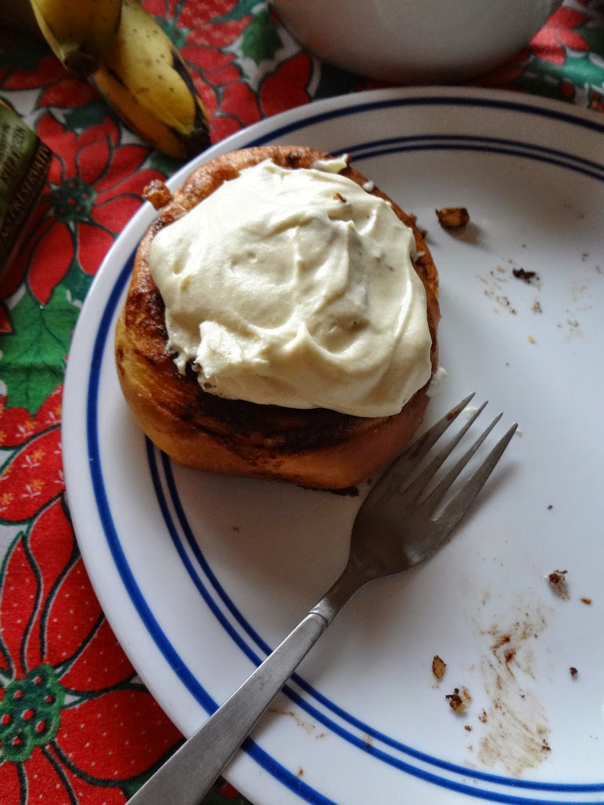 Honey Cinnamon Rolls with Cream Cheese Frosting by The Messy Organic Mum - Featured at Natural Family Friday