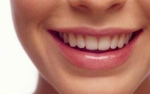 6 Tips Agar Bibir Tetap Indah Sepanjang Hari
