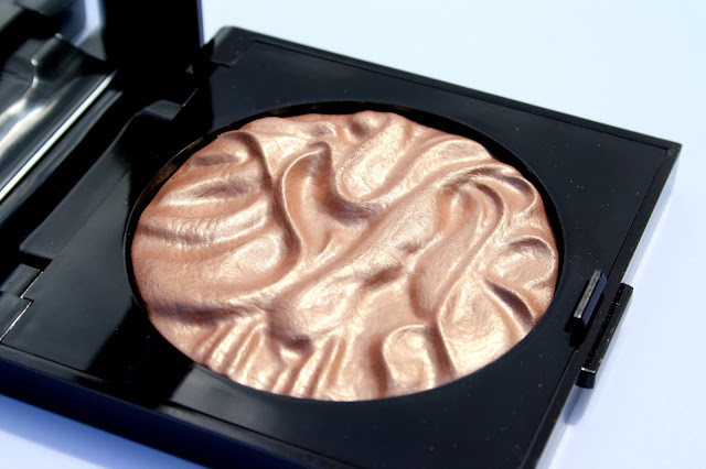 Laura Mercier Face Illuminator in Indiscretion