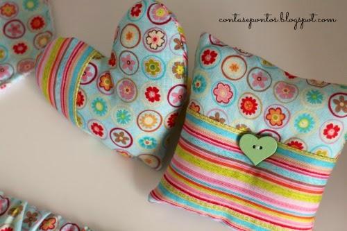conjunto de bebé - babete, muda-fraldas, suporte chupeta, porta documentos, sacos alfazema