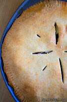 http://foodiefelisha.blogspot.com/2013/12/deep-dish-apple-pie.html