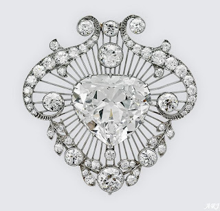 Cullinan V Brooch (The Heat-Shaped Diamond Brooch)