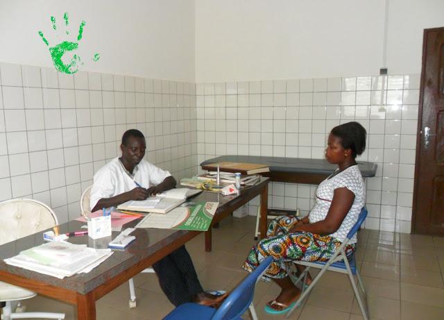 Visita delle gestanti in Africa