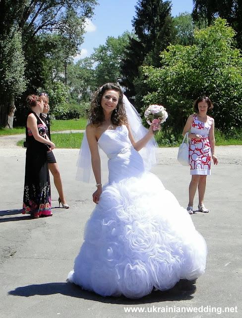 Весілля красиве плаття у нареченої