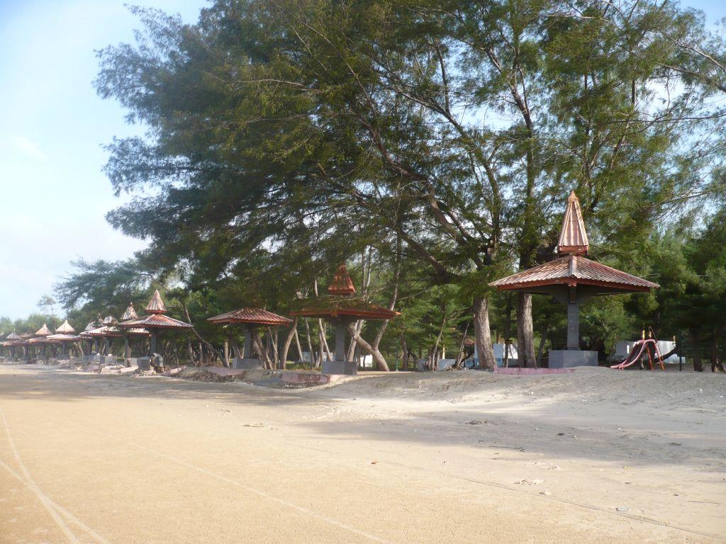 Sumenep Indonesia  city pictures gallery : IMAM EFENDI: PANTAI LOMBANG , SUMENEP, MADURA, JAWA TIMUR , INDONESIA