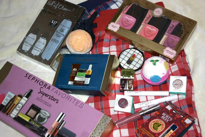 holiday gift guide, ideas, presewnts, beauty, colourpop, burts bees, sephora favourites, skincare, makeup, too faced, bumble and bumble
