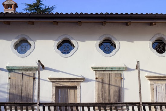italain villa windows