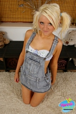 Hannah Lawley! The cutest little hillbilly you'll ever lay your eyes on...Or sink your dick into!