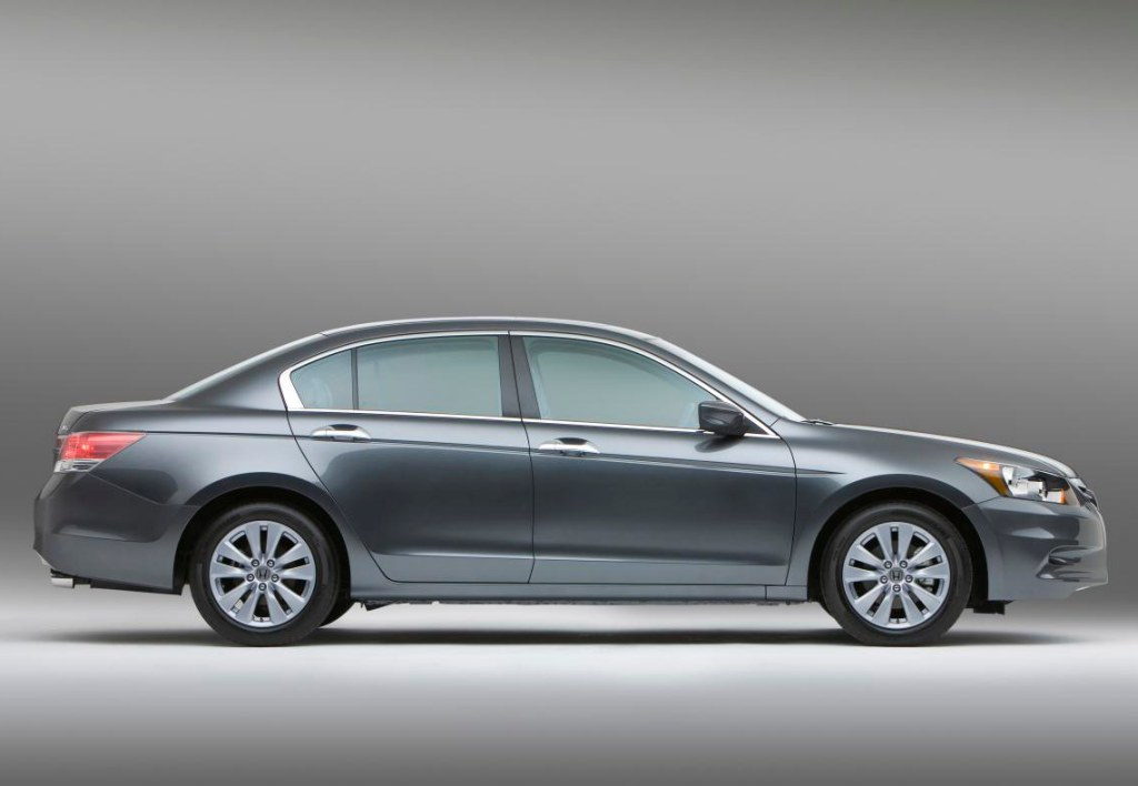 Best Automotive World: 2011 Honda accord