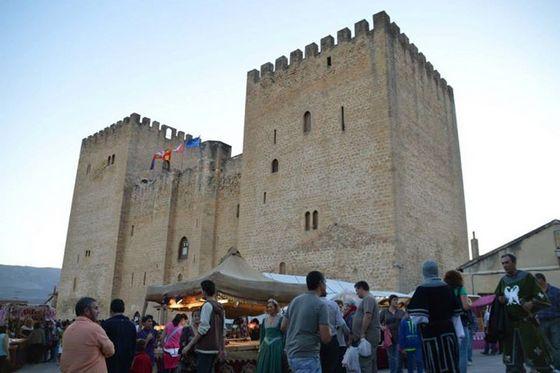 imagen_medina_pomar_carlos_carlosV_renacimiento_viaje_octubre_ruta_mercado_emperador