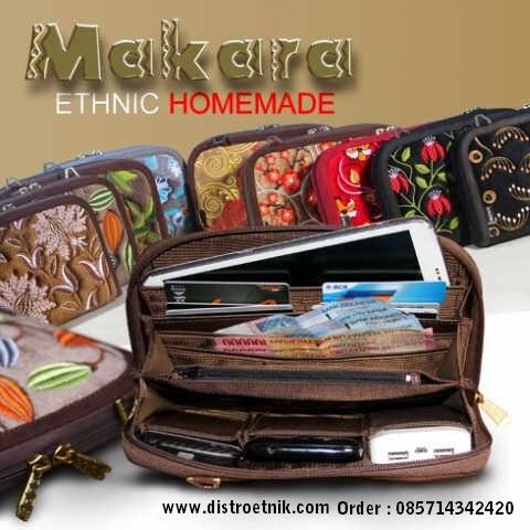 bagian dalam tas dompet makara etnik 2015