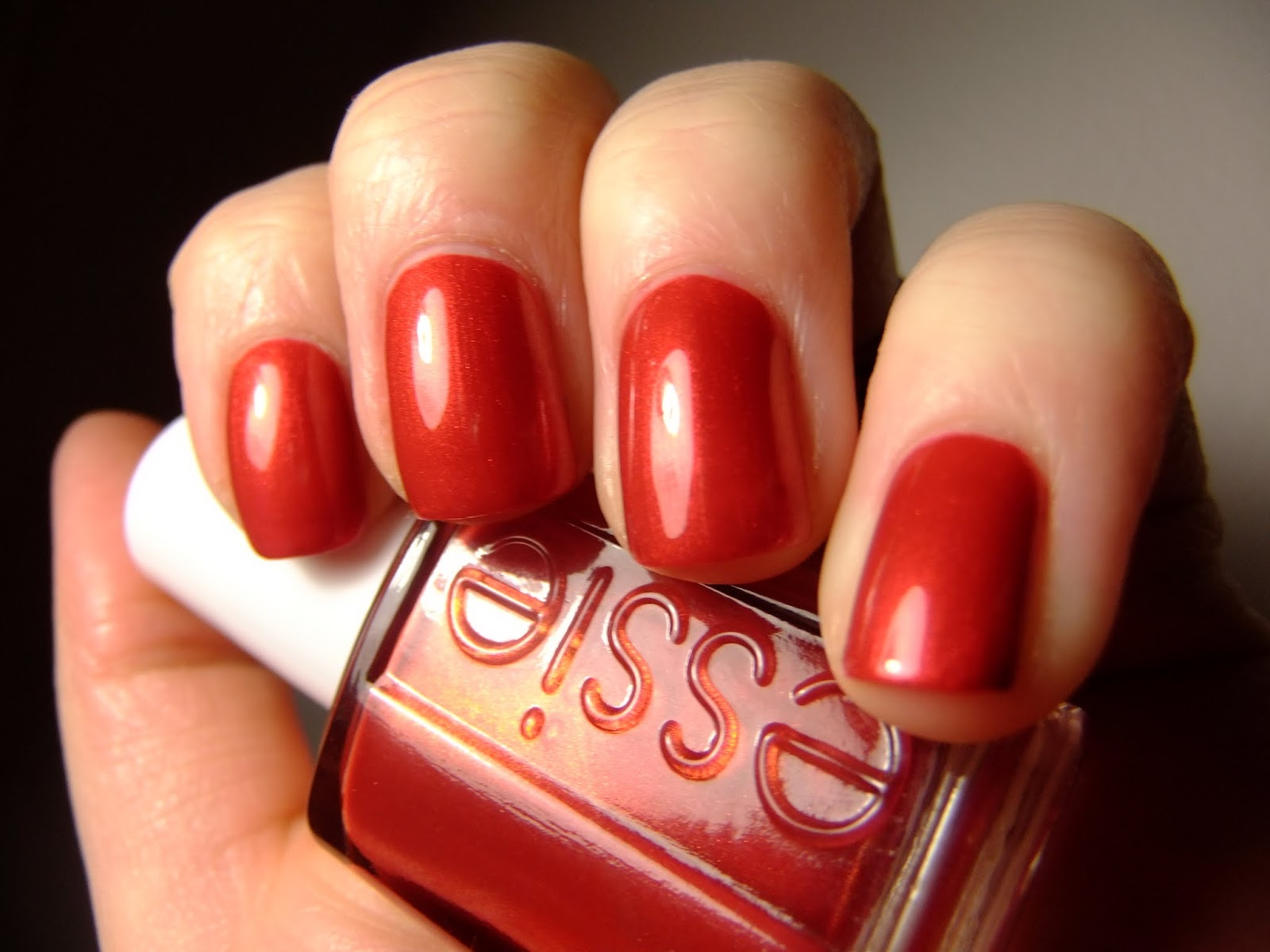 A Polished Touch: Essie Jag-U-Are + Accent Nail