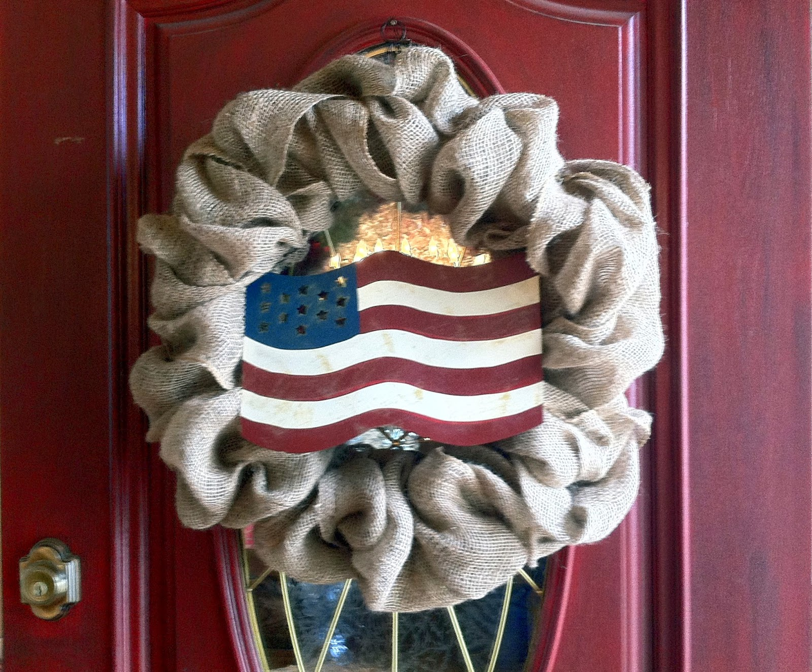 4th of July decor, burlap ribbon wreath from mommy is coocoo