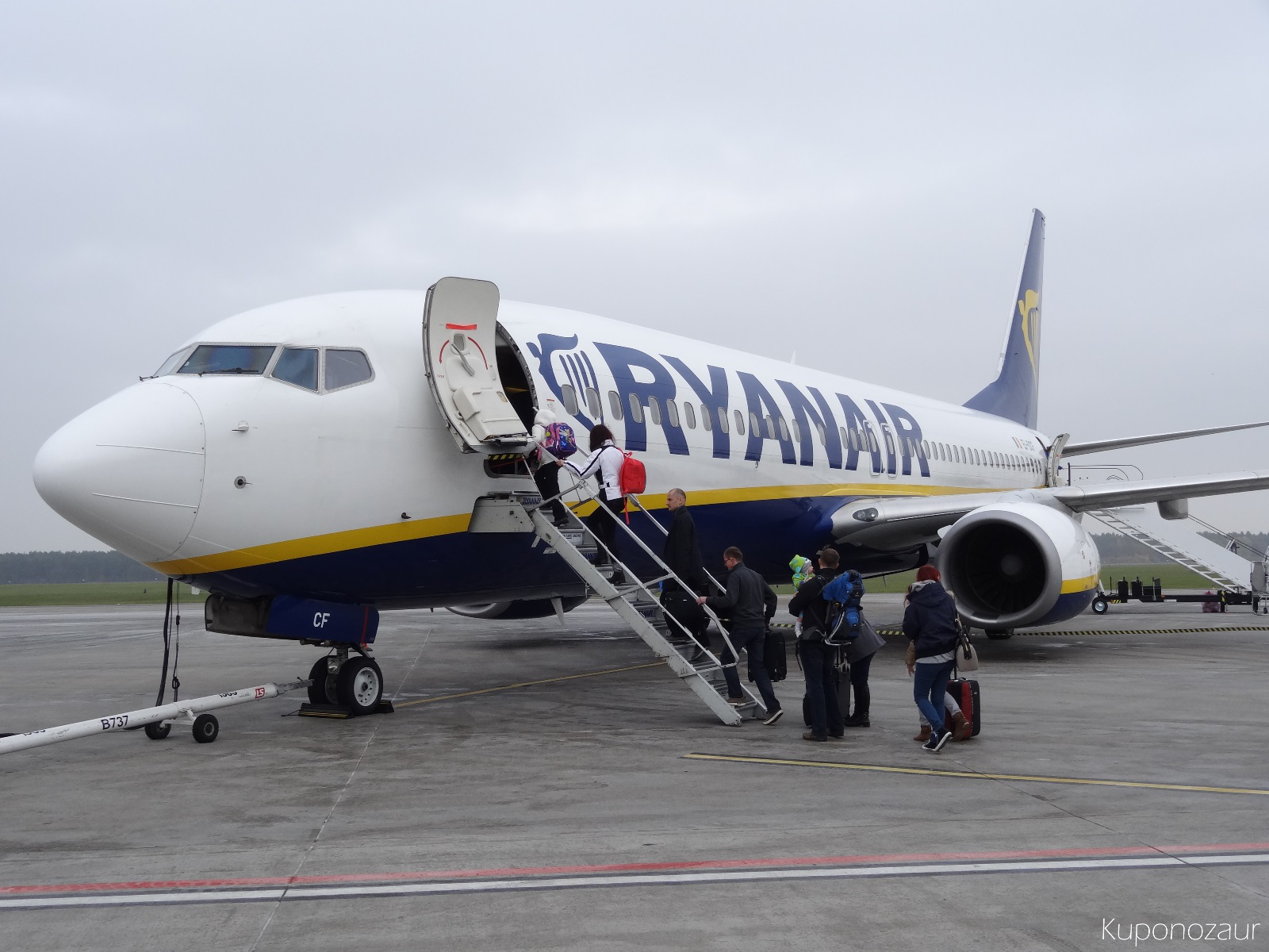 Lotnisko Warszawa Modlin samolot Ryanair do Frankfurtu