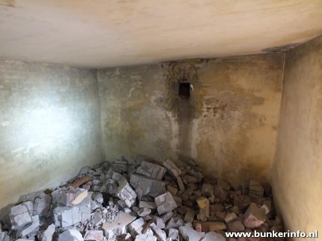 http://www.bunkerinfo.nl/2013/04/aggregaat-bunker.html