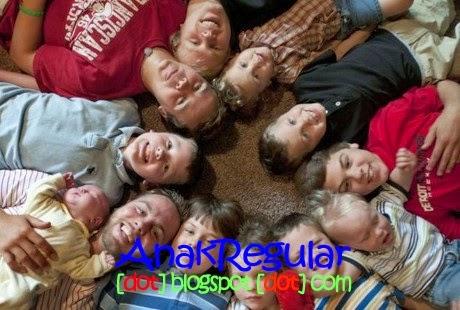 Unik, Keluarga ini Dikaruniai 13 Anak Berkelamin Laki-Laki