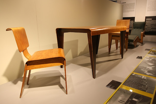 Moulded plywood furniture by Marcel Breuer for Isokon, London (1936)