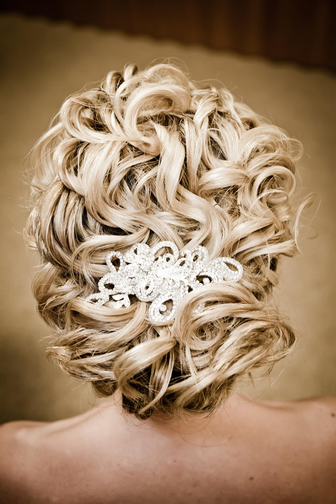 http://4.bp.blogspot.com/-IEdHUIW7rTs/T-jChDLCDrI/AAAAAAAALV0/af0Doqzyp0M/s1600/wedding-hairstyles-updo-bridal-bride-hair-3.jpg